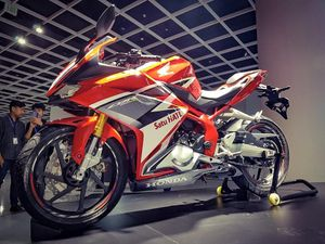 Chi tiết Honda CBR250RR 2016 giá gần 4.800 USD vừa ra mắt
