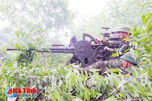 Hồng Lĩnh diễn tập thực binh đánh địch đổ bộ đường không