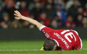 Ibrahimovic có giống Schweinsteiger?