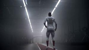 Sử dụng bao cao su, nhà thiết kế Hà Lan đã tạo nên trang phục thể thao cực kỳ hiệu quả