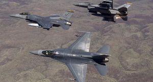 Lầu Năm Góc tuyển phi công dân sự để hỗ trợ Không quân luyện tập