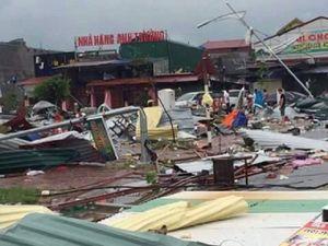 Bắc Ninh: Clip lốc xoáy kinh hoàng phá tan khu chợ
