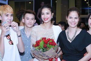 Phạm Hương hôn má Lan Khuê sau màn loại thí sinh 'đau đớn' ở The Face