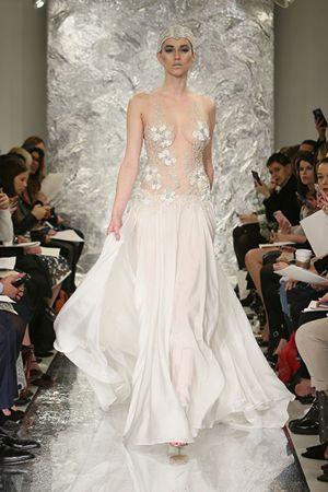12 chiếc váy cưới độc dành cho cô dâu thích 'nổi loạn'