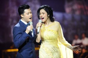 Thu Phương rơi nước mắt trong live show Việt Anh