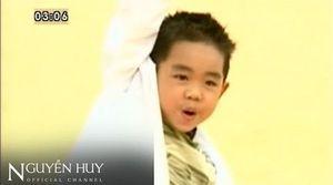 Ngày ấy - bây giờ của cậu bé chuyên hát nhạc người lớn