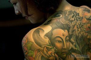Tận mục thân hình kiều nữ nhiều hình xăm nhất nhì Việt Nam