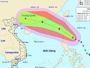Vào Biển Đông, bão Nida mạnh lên giật gần cấp siêu bão