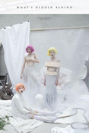 Bộ 3 người mẫu Next Top khoe vai trần gợi cảm