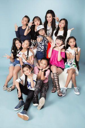 Đông Nhi - Ông Cao Thắng ôn luyện cho 15 học trò 'The Voice Kids'