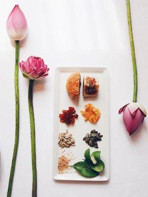 Bánh Trung thu khách sạn: Đồ biếu, nên cần sang và đắt