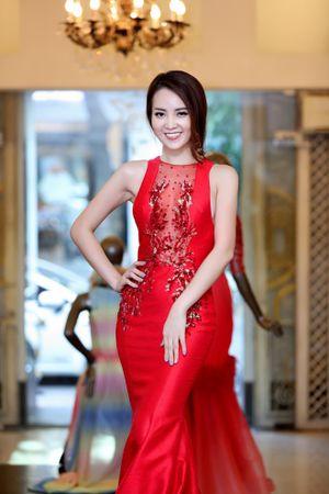 Soi những bộ váy Thụy Vân sẽ mặc trong đêm Chung kết HHVN 2016