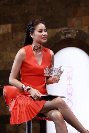 """Hành trình khiến Phạm Hương """"đánh mất"""" danh hiệu """"Hoa hậu Quốc dân"""""""