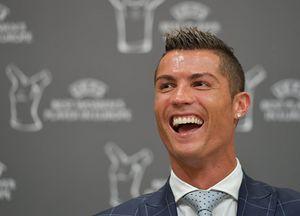 Ronaldo giành giải cầu thủ hay nhất châu Âu mùa 2015/2016