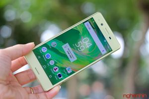 Đánh giá smartphone Xperia X: dự báo ảm đạm cho Sony