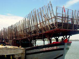 Hỏa hoạn trên tàu câu mực lớn nhất nhì Quảng Nam