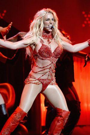 Britney đã hết thời? Xin lỗi đi, bạn đã sai, rất sai!