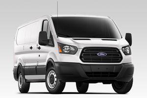 """Ford Transit máy dầu mới """"chào giá"""" 830 triệu tại Malaysia"""