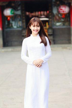 'Học lỏm' diện mạo của hot girl Việt khi tới trường mùa back-to-school