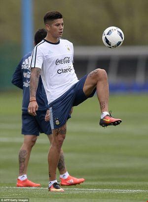 'Cầu thủ' 4 chân thay thế Messi ở đội tuyển Argentina