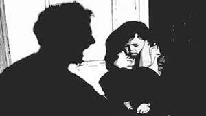Phẫn nộ người cha thú tính cưỡng bức hai con gái ruột