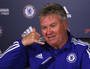 Chelsea chưa đá hết 45 phút, CĐV kêu gọi đưa Guus Hiddink trở lại