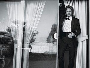 Brad Pitt siêu điển trai trên bìa tạp chí