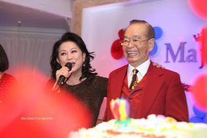 """Danh hài Văn Chung vẫn """"sung"""" trong lễ mừng thọ 89 tuổi"""