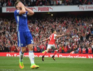 Vùi dập Chelsea tơi tả, Arsenal tặng quà Wenger mừng 20 năm tại vị