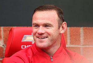 Ngày Ibrahimovic chứng minh Rooney là kẻ hết thời