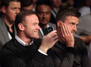 Bị Mourinho 'đày' ải, Rooney vẫn vui vẻ đi xem quyền anh