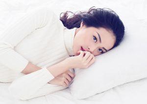 Hạ Vi tung ảnh mặc đồ ngủ gợi cảm mừng tuổi 23