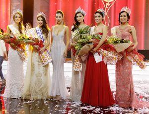 Hà Anh khoe vòng một gợi cảm trong đêm chung kết Miss Global