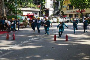 Mười tám phường thuộc khu phố cổ Hà Nội thi chữa cháy cây xăng