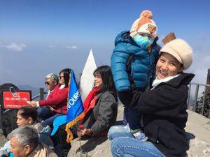 Phượt thủ 18 tháng tuổi cùng bố mẹ 'đi khắp thế gian'
