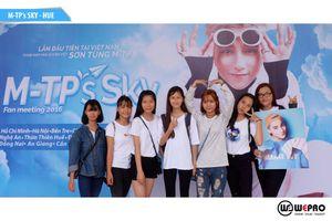 Sơn Tùng chiều lòng khán giả trong buổi họp fan tại Huế