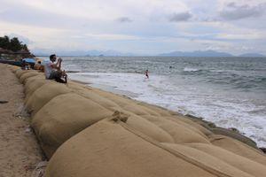 Ngắm biển Cửa Đại đẹp nhất châu Á nguy cơ bị xóa sổ