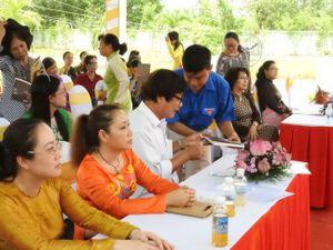 Ra mắt sách 'Người mẹ đất thép' viết về mẹ Nguyễn Thị Rành