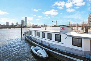 Ngắm nhà thuyền sang hơn biệt thự nhà đất ở Anh