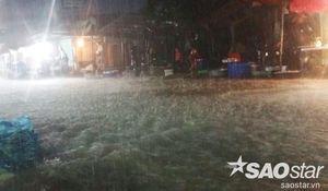Sài Gòn tiếp tục mưa to, đường sá lại ngập lụt khiến ai cũng ngao ngán