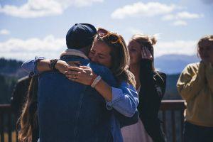 Lấy vợ, cưới chồng phải như cặp đôi này: Cầu hôn và làm đám cưới chỉ trong 4 giờ đồng hồ