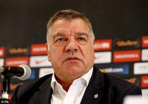 Liên đoàn bóng đá Anh sa thải HLV trưởng Sam Allardyce