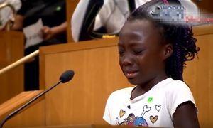 Bài phát biểu đẫm nước mắt của bé gái da đen gây chấn động dư luận