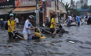 Độ xe chạy trên mặt nước ở Sài Gòn giống Maddison
