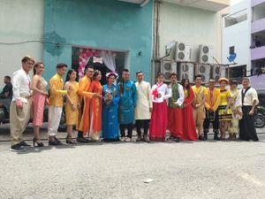 Đám cưới có 'một không hai' với trang phục 'liên hợp quốc' của cặp đôi Wang Trần - Thanh Nhân