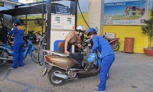 Thêm vụ tính nhầm giá xăng: Đánh thuế tiền để dành của dân?
