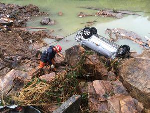 Nhìn lại ảnh siêu bão Megi tàn phá Đài Loan, Trung Quốc