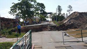 Sạt lở đường dẫn cầu nối Hải Phòng – Thái Bình: Giao thông tê liệt