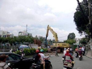 Nhà thầu Trung Quốc bắt đầu chống sụp đường Trường Sa