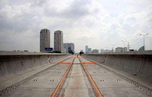 Hợp long cầu vượt sông Sài Gòn thuộc tuyến metro số 1